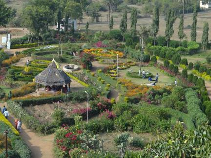 ఉద్యానవనం-పాండవా కేవ్స్