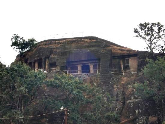 పాండవా కేవ్స్